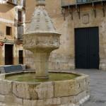 plaza-trinidad-fuente-gotica-xativa